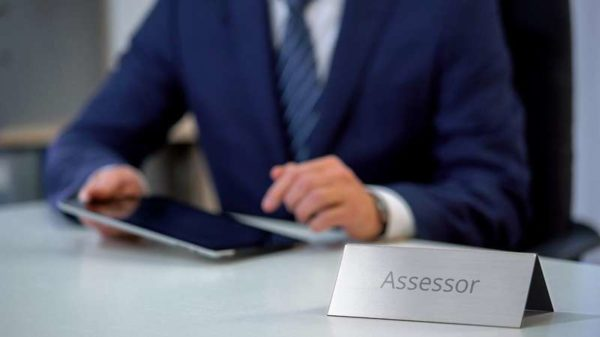 Conheça 5 das principais funções de um assessor político