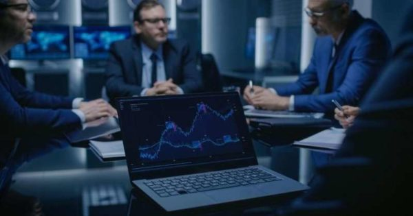 conheca-5-motivos-para-investir-em-um-sistema-que-auxilia-na-gestao-politica-20190830161602.jpg